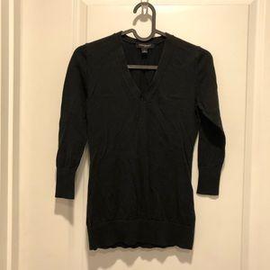 Banana Republic black v neck 3/4 sleeve sweater XS